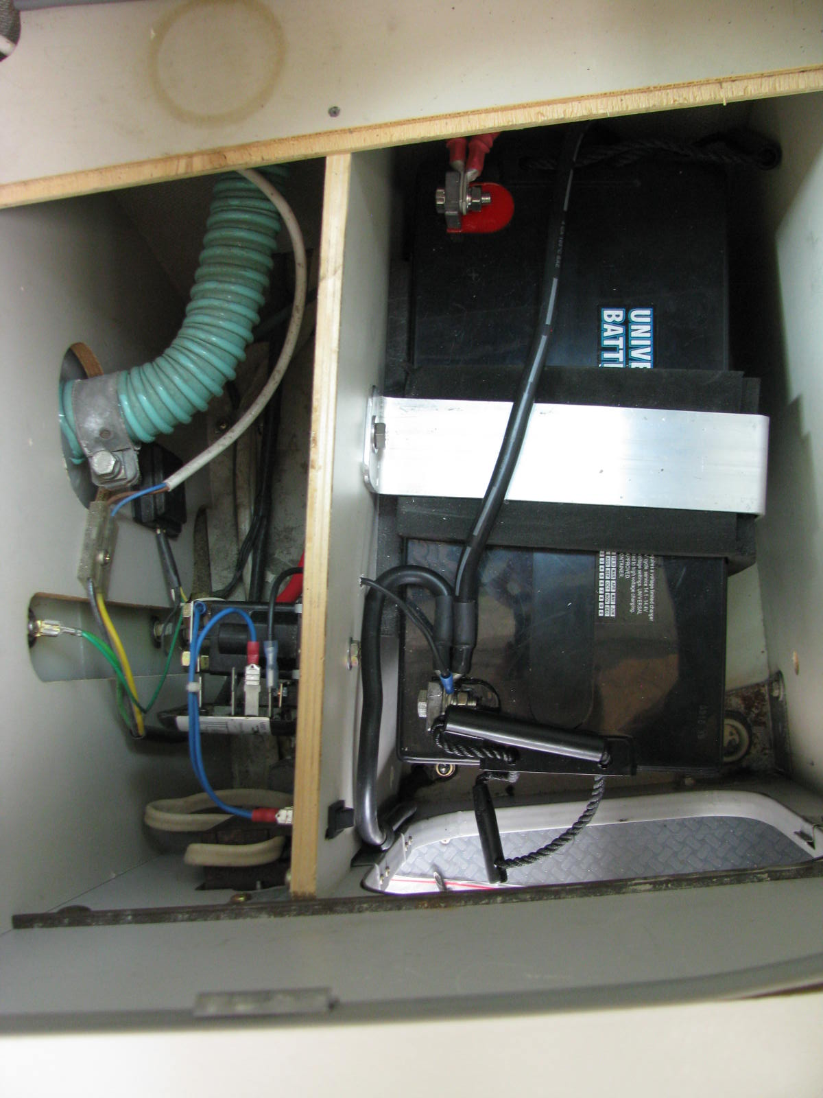 Westy Ventures Parts Vanagon Subaru Conversion Wiring Diagrams Another Tf49 Where I Fabricated A New Front Panel This One Has Xantrex 1000 Watt Inverter 20a Smart Charger Beneath The Fridge